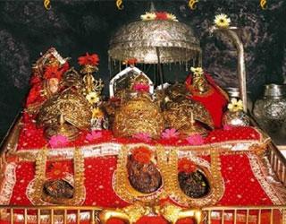 Pathankot to Vaishno Devi Tempo Traveller